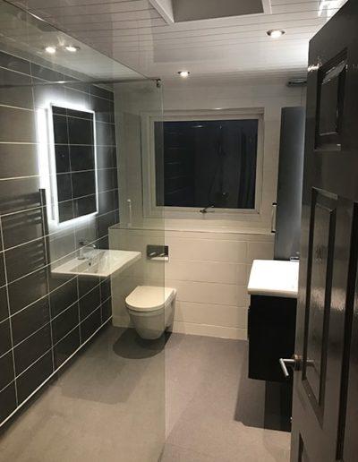 Disability bathroom 2 - Image 1
