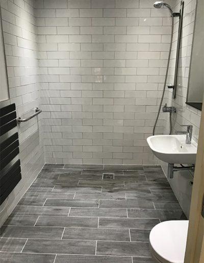 Disability bathroom 3 - View 6-min